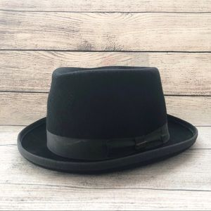 Bailey of Hollywood Bowler Derby Ice Top Hat